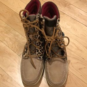 Sperry leopard print boots size 8.5M